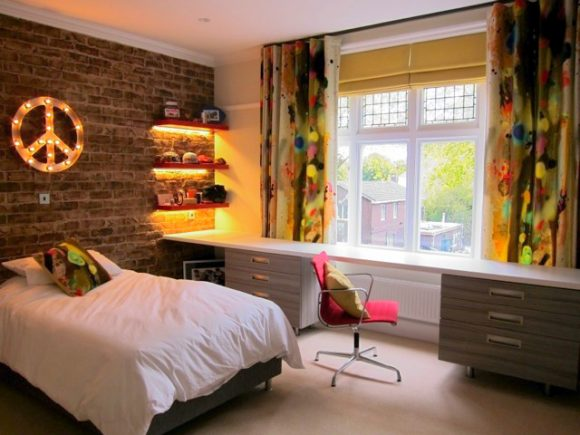 Bedroom with textured feature wall